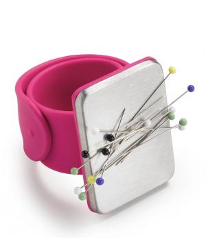05e619f443a8 PRYM Magnetický jehelníček na ruku. S přizpůsobitelným silikonovým páskem